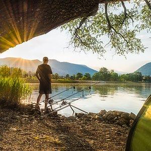 Skal du på lengre fisketur? Se vårt utvalg av telt & campingtilbehør